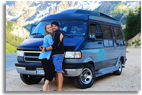 daniel kovacs und christina kalb mit campervan