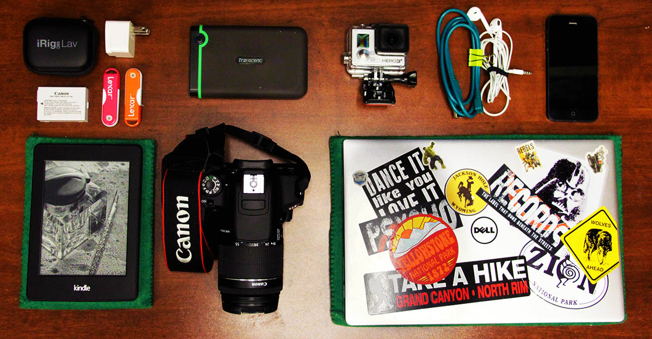 Bild zeigt elektronische Sachen der Work and Travel Packliste
