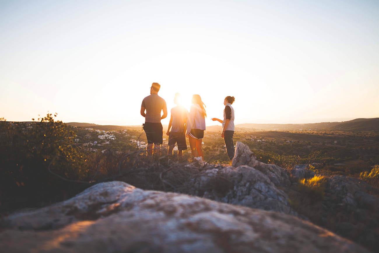 Bild zeigt eine Gruppe von Menschen