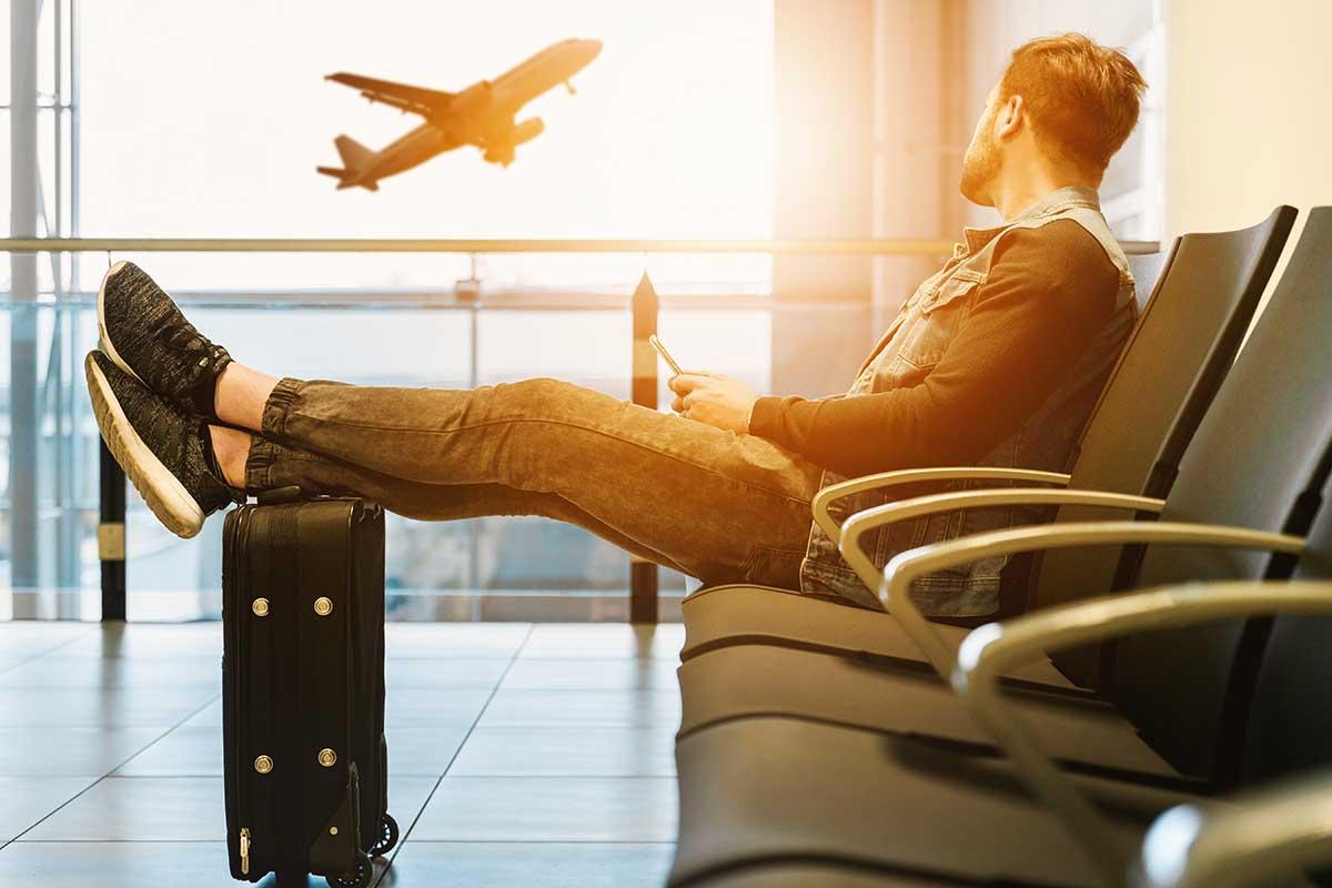 Biometrische Daten Flughafen mit Flugzeug